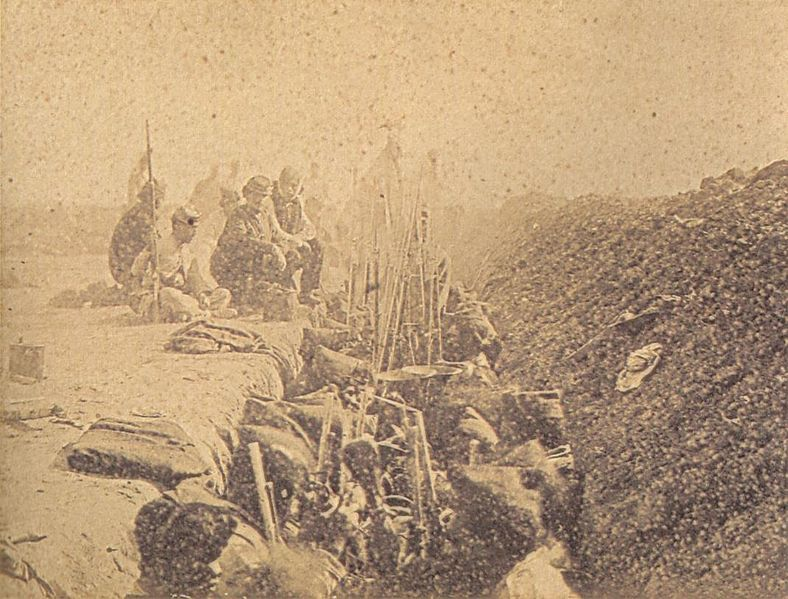 Trench with Uruguayan soldiers from the 24 April Batallion at Tuyutí. Albumen print, 1866.