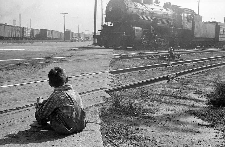 Child who lives on other side of the tracks, Minneapolis, Minnesota   Photo: John Vachon