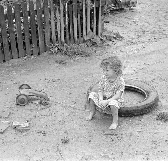 d in Circleville Hooverville, central Ohio Photo: Ben Shahn