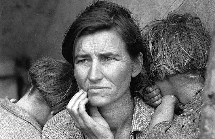 Destitute pea pickers in California. Mother of seven children. Age thirty-two. Nipomo, California  Photo: Dorothea Lange