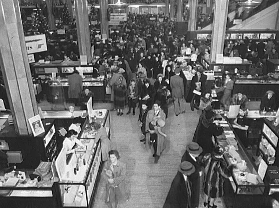 New York. R. H. Macy and Company department store during the week before Christmas