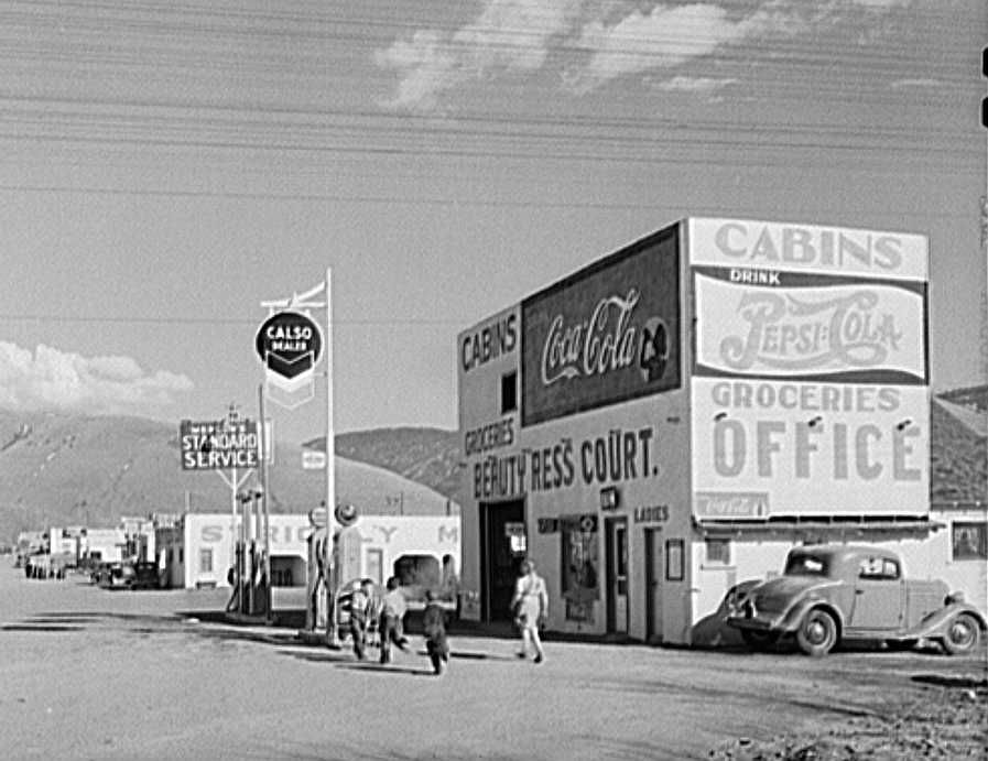 Missoula, Montana. Entering the town  Photo: John Vachon