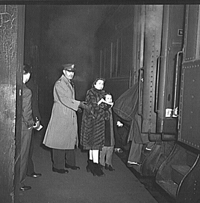 Passengers boarding a train at Union Station, Chicago, Illinois Photo: Jack Delano