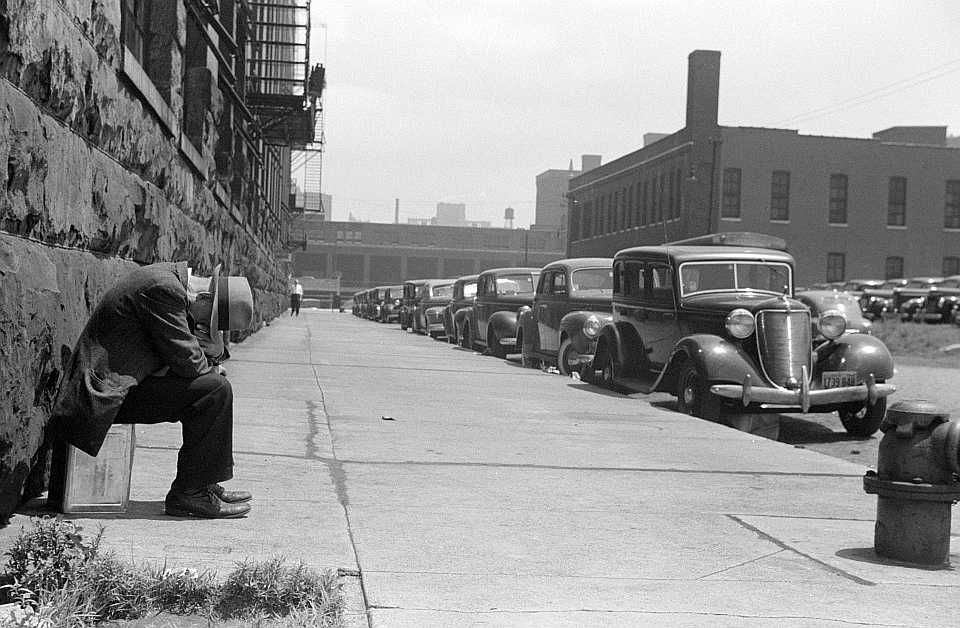 Chicago street scene        Photo: John Vachon